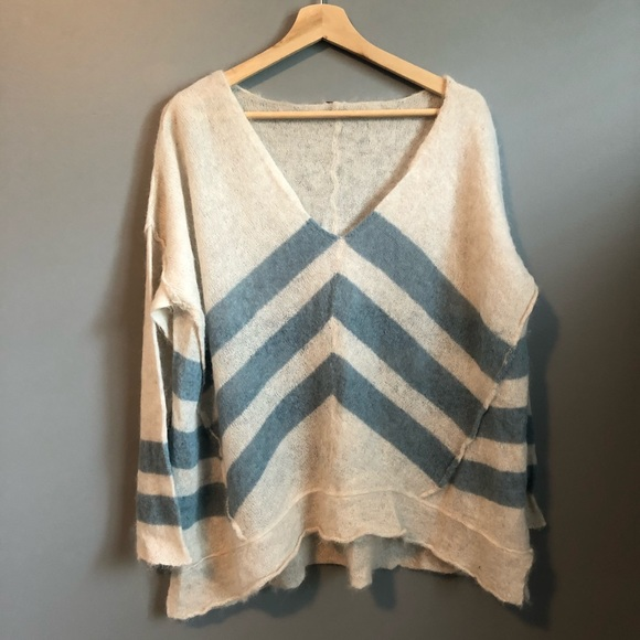Free People soft sweater - size L